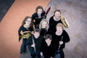 Group pic of Women in the Women's Wind Ensemble